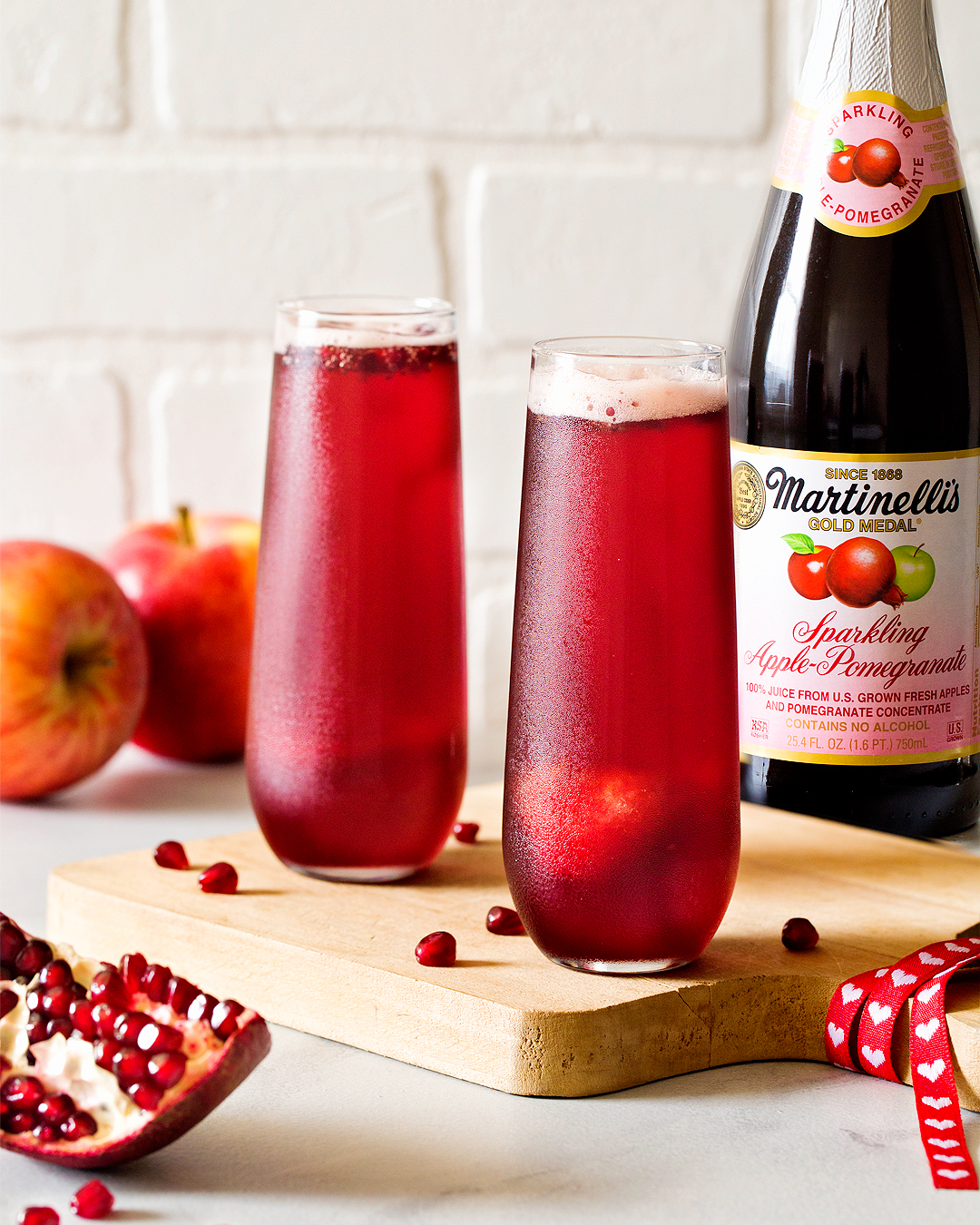 Martinelli's-Sparkling-Apple-Pomegranate-Sorbet-Floats-photo-Carla-Cardello-vertical